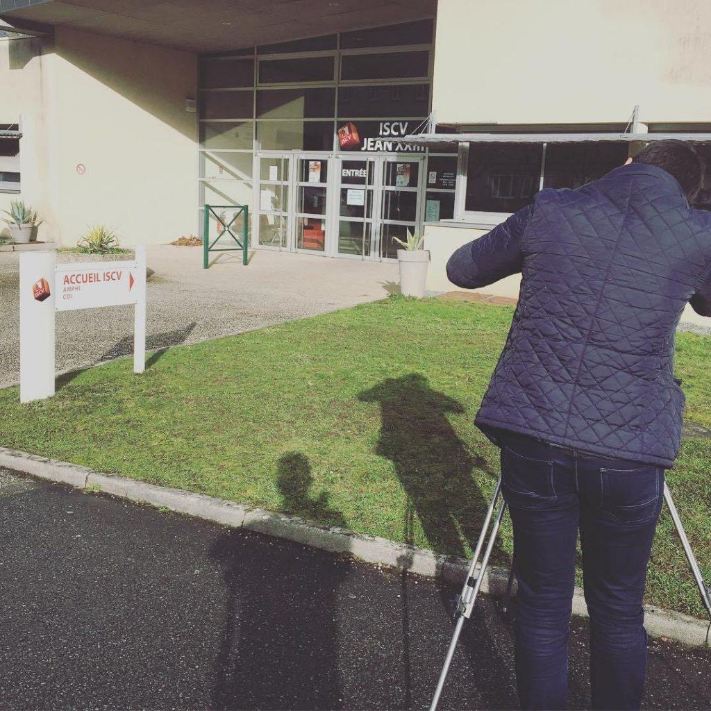 Tournage-ISCV-1024x1024 Film d'entreprise et institutionnel à Cholet, Angers, Nantes, Les Herbiers, Niort  agence communication audiovisuel cholet nantes angers vendée les herbiers la roche sur yon niort