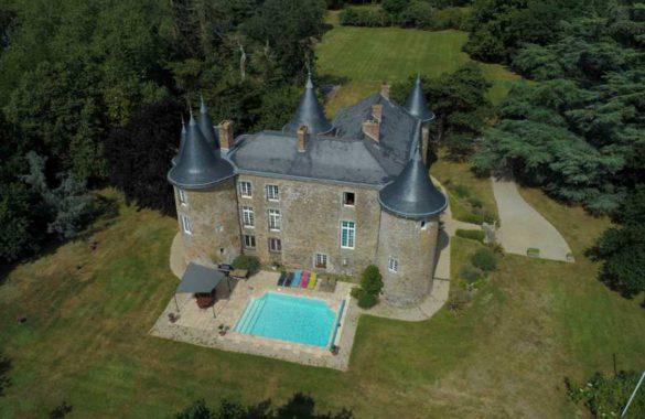Vue aérienne du château de la frogerie