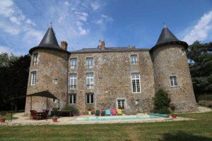extérieur-du-château-de-la-frogerie