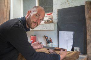 Coutelier-forgeron-artisanat